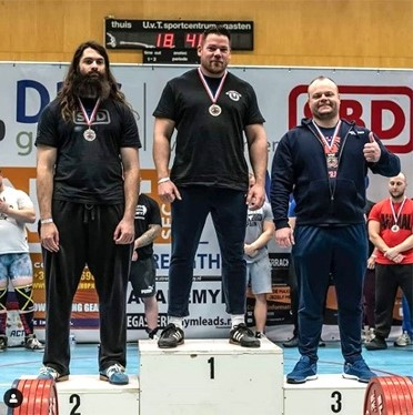 Teun Moors van Loods 37 Weert Nederlands kampioen powerliften